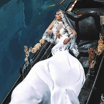 Foto: The Lie by JPZ; poročna kolekcija Bridal